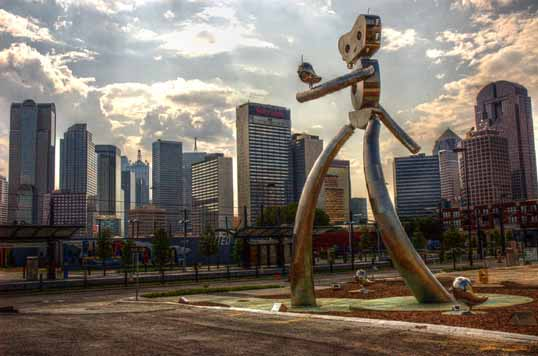Travelling Man - sculpture east of Downtown Dallas