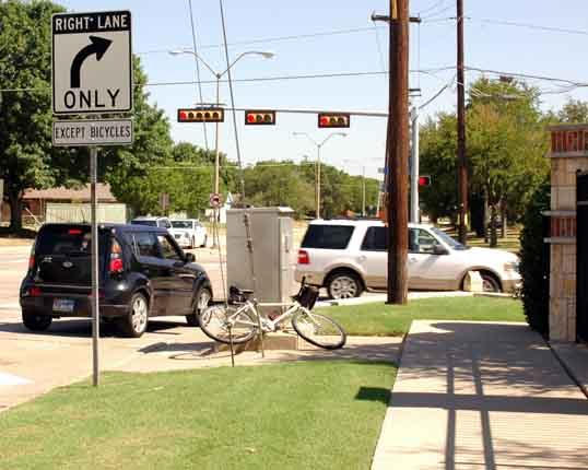 Bike lane merging with right turn lane at Beltline road.