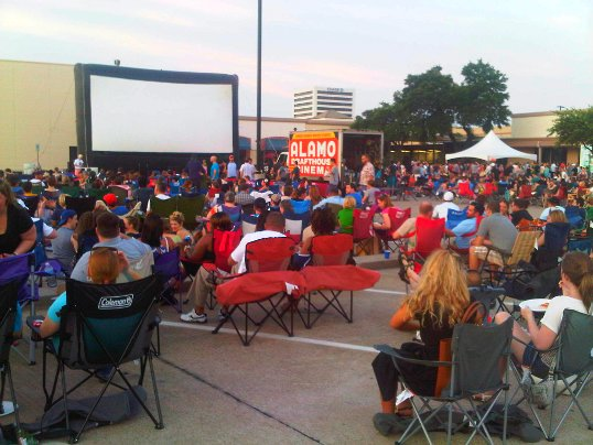 Crowd in the parking lot of the Alamo Drafthouse, waiting for Dazed and Confused