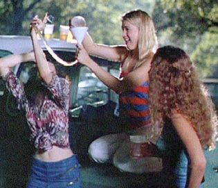 Renée Zellweger as an extra in Dazed and Confused.