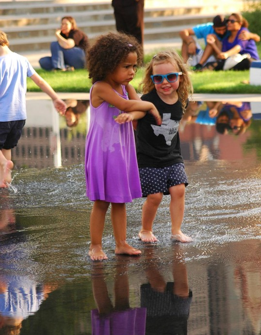 Kids on the reflecting pool at the Patio Sessions, Dallas, Texas (click to enlarge)
