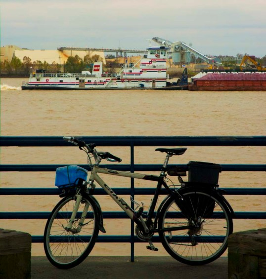 My Bike along the Mississippi, New Orleans (click to enlarge)