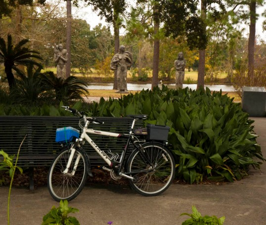 My Commuter Bike in Audubon Park, New Orleans (click to enlarge)