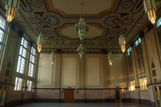 T&P Waiting Room, Fort Worth, Texas (click to enlarge)
