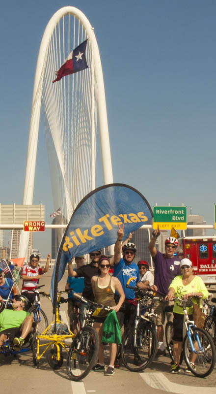 Bike Texas Group on the Margaret Hunt Hill Bridge, Dallas, Texas (click for larger version on Flickr)