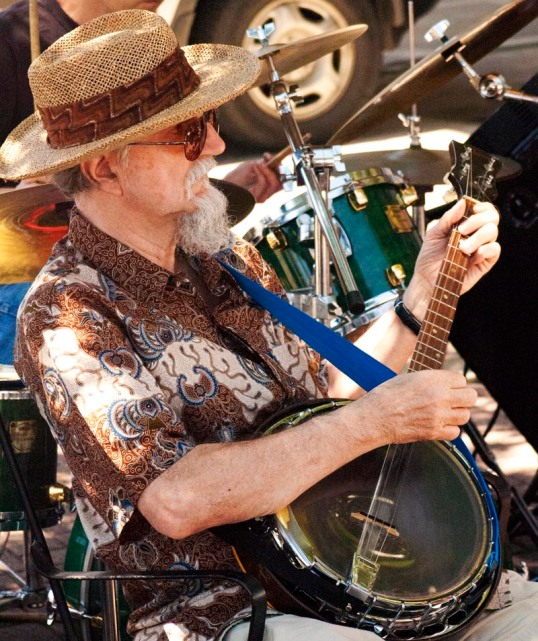 Banjo Player, Farmer's Market, Dallas, Texas (click to enlarge)