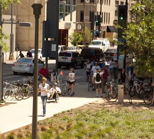 Cyclists arriving at Belo Garden Park.