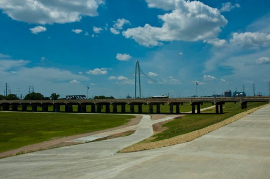 Part of the Dallas Skyline Trail. The Commerce Street Bridge, Old Railroad Trestle, Margaret Hunt Hill Bridge.  (click to enlarge)