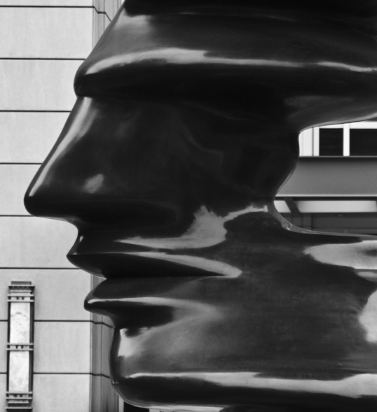 """Tony Cragg's """"Line of Thought"""" Dallas, Texas"""