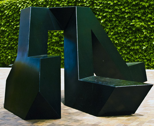 Tony Smith Willy 1962, Steel Dallas Museum of Art