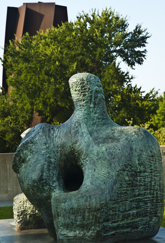 Henry Moore, Two-Piece Reclining Figure No. 2 Richard Serra, Vortex Modern Art Museum of Fort Worth